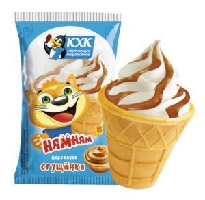 Ням-ням, Лучшее что может быть за три монетки! Ванильное мороженое со сгущенкой от верхушки до самого кончика.